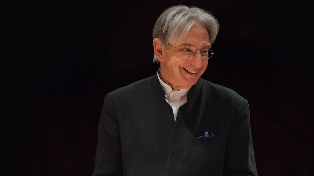 Michael Tilson Thomas smiling